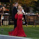 Sienna Miller dans une robe flamboyante