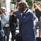 Des dizaines de photographes l'attendaient