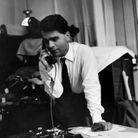 Karl Lagerfeld au téléphone vers 1960