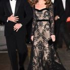 La duchesse porte une robe Alexander McQueen