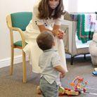 Kate Middleton rend visite à l'association Baby Basics UK