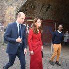 Kate Middleton portait un manteau Alexander McQueen
