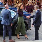 Elle est accueillie par le directeur du musée, Michael Dixon