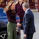 La duchesse porte un pull Warehouse