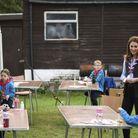 Kate Middleton est en plein atelier découpage