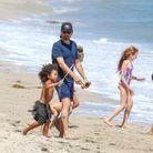 Scott Disick joue avec ses enfants et ses neveux