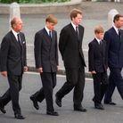 Le prince Philip, le prince Charles, Charles Spencer, William et Harry aux funérailles de Lady Di
