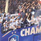 Les Bleus saluent le public