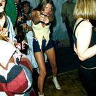 A l'anniversaire de Ronnie Woods, à Kingston Upon Thames, en Angleterre, en 1991.