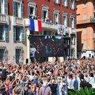 Devant la mairie de Nice