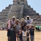 Blaise Mauidi au Mexique avec sa famille