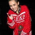 Le pull de Noël de Miley Cyrus