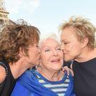 Line Renaud entourée de Muriel Robin et de sa compagne Anne Le Nen