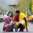 Le couple bhoutanais avec leur fils Jigme Namgyel Wangchuck