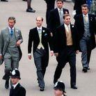 Arrivée du prince Charles au côté de son frère le prince Edward