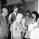 Photo de famille : Archie a rencontré la reine, le duc d'Edimbourg, et Doria Ragland, sa grand-mère maternelle