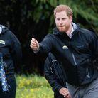 Au tour du Prince Harry de lancer sa botte en caoutchouc