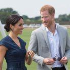 Meghan Markle et le prince Harry de bonne humeur avant le match