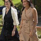 Elle porte une robe trench Banana Republic