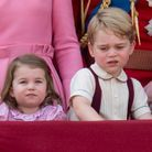 Le prince George et sa soeur pendant la parade Trooping the Colour en 2017