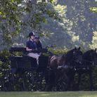 Lady Louise dans les jardins de Windsor