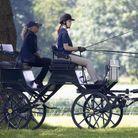 Lady Louise Windsor conduit la calèche du prince Philip