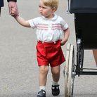 Le prince George, habillé comme son père, il y a trente ans