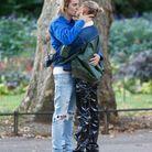 Hailey Baldwin et Justin Bieber plus amoureux que jamais dans Hyde Park
