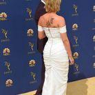 Un nouveau tatouage dans son dos