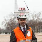 Ne surtout pas te lancer dans une conversation avec un chauffeur de taxi