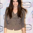 """Selena Gomez lors du photocall du film """"Les Sorciers"""" à Paris en 2010"""
