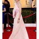 En robe rose pâle Givenchy