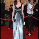 En 2006, elle assiste à l'une de ses premières grandes cérémonies, les SAG Awards en Nina Ricci. La styliste est passée par là…