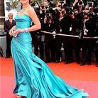 People_festival_cannes_montee_marches_soiree_tapis_rouge_milla_jovovich