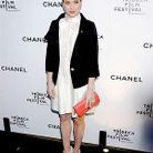 People_tapis_rouge_chanel_festival_tribeca_debra_messing