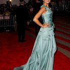People_tapis_rouge_soiree_gala_costume_institute_camilla_belle