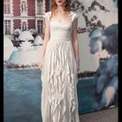 People tapis rouge soiree white bal fairy tale anne hathaway