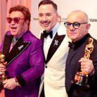 "Elton John, David Furnish et Bernie Taupin avec leur Oscars pour ""Rocketman"""