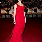 People_tapis_rouge_soiree_james_bond_londres_Olga_Kurylenko