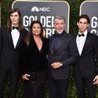 Pierce Brosman et sa famille lors des Golden Globes