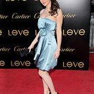 People_tapis_rouge_soiree_gala_bracelet_cartier_love_Emmy_Rossum