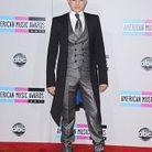 People tapis rouge american music awards adam lambert