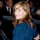 People tapis rouge defiles fashion week paris Isabelle Huppert