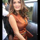 People tapis rouge defiles paris fashion week SALMA HAYEK