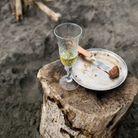 Est-il vraiment déconseillé de boire le champagne avec une viande rouge ou du fromage ?