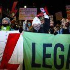 En Pologne, la quasi-interdiction de l'avortement est entrée en vigueur