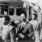Nelson Mandela fonde l'ANC