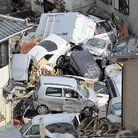 Societe actualite japon tsunami amas voitures