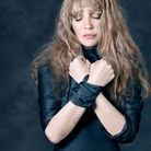 Arielle Dombasle, Isolement