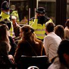 Au Royaume-Uni, la police a prévu des patrouilles renforcées dans les endroits fréquentés.